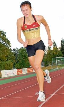 Aline Krebs, überragende Athletin im Team von Trainer Thomas Zehfuß, beim Training im Westpfalzstadion