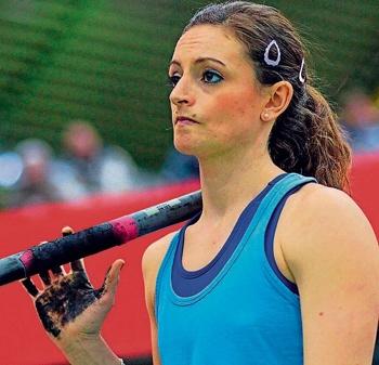 Alles im Griff hat die deutsche Hallenmeisterin im Stabhochsprung, Kristina Gadschiew, aus Hornbach.