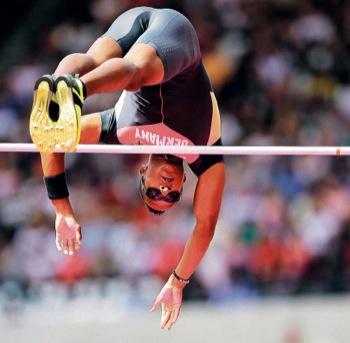 Mit diesem souveränen Sprung über 5,65 Meter hat sich LAZ-Stabhochspringer Raphael Holzdeppe für das olympische Finale am Freitag qualifiziert.
