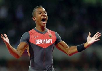Der Stabhochspringer Raphael Holzdeppe (22) hat bei den Olympischen Spielen in London 2012 Bronze mit 5,91 Metern geholt.